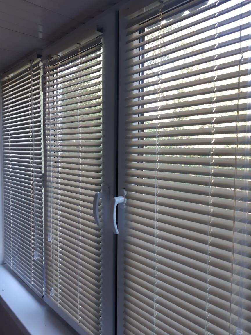 алюминиевые горизонтальные жалюзи для балкона в шымкенте