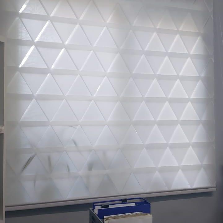 открытые рулонные шторы в проем о для офиса в шымкентекна