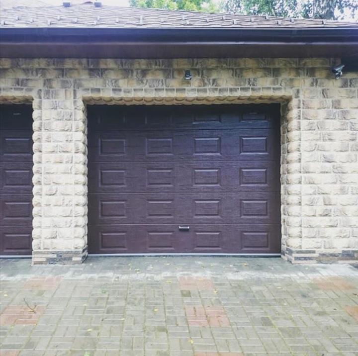 Ручные роллетные ворота для гаража