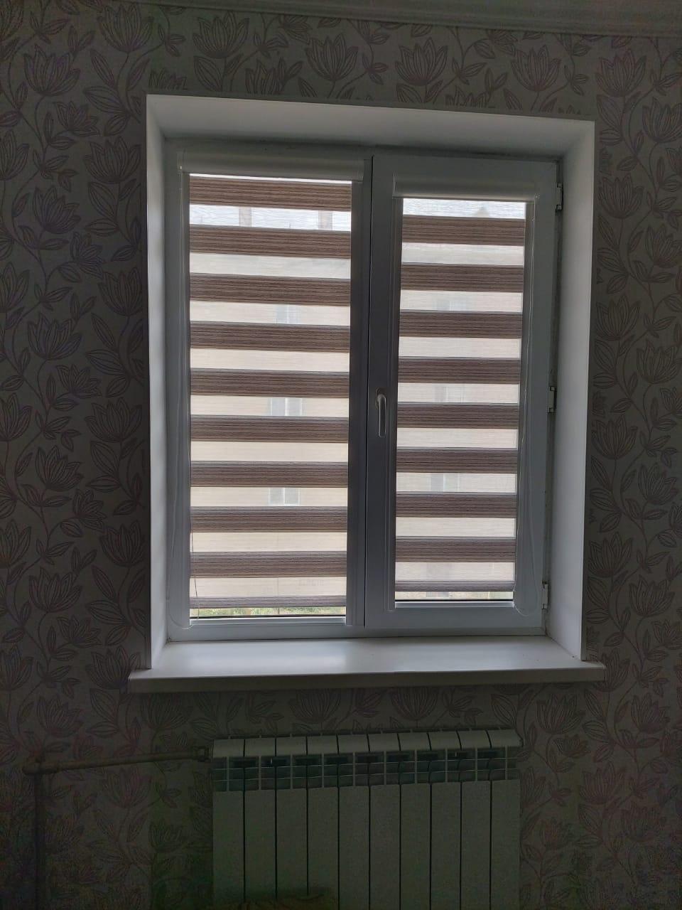 Кассетные шторы зебра на створку окна для детской комнаты